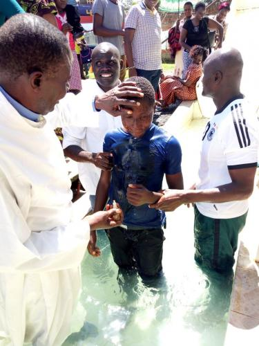 Young Man Baptized in Kenya